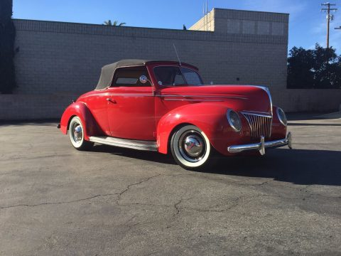 Completely restored and stunning 1939 Ford Convertible for sale