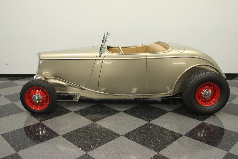 1934 Ford Roadster – SHOW QUALITY