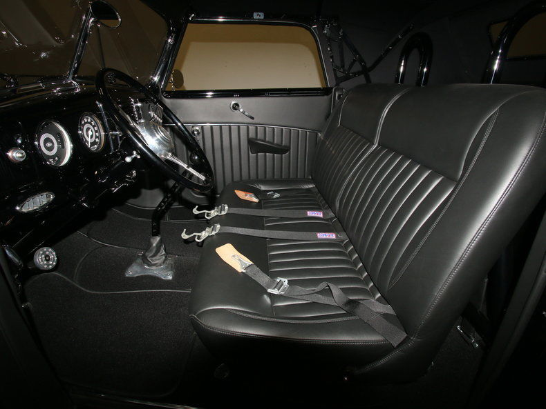 1939 Ford Deluxe – INCREDIBLE NUT & BOLT