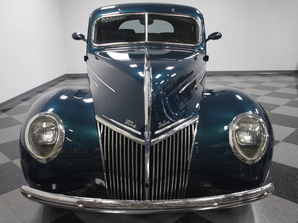 NICE 1939 Ford Deluxe